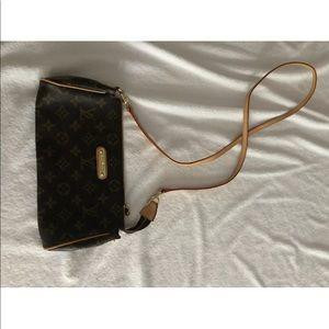 Louis Vuitton crossbody - no chain